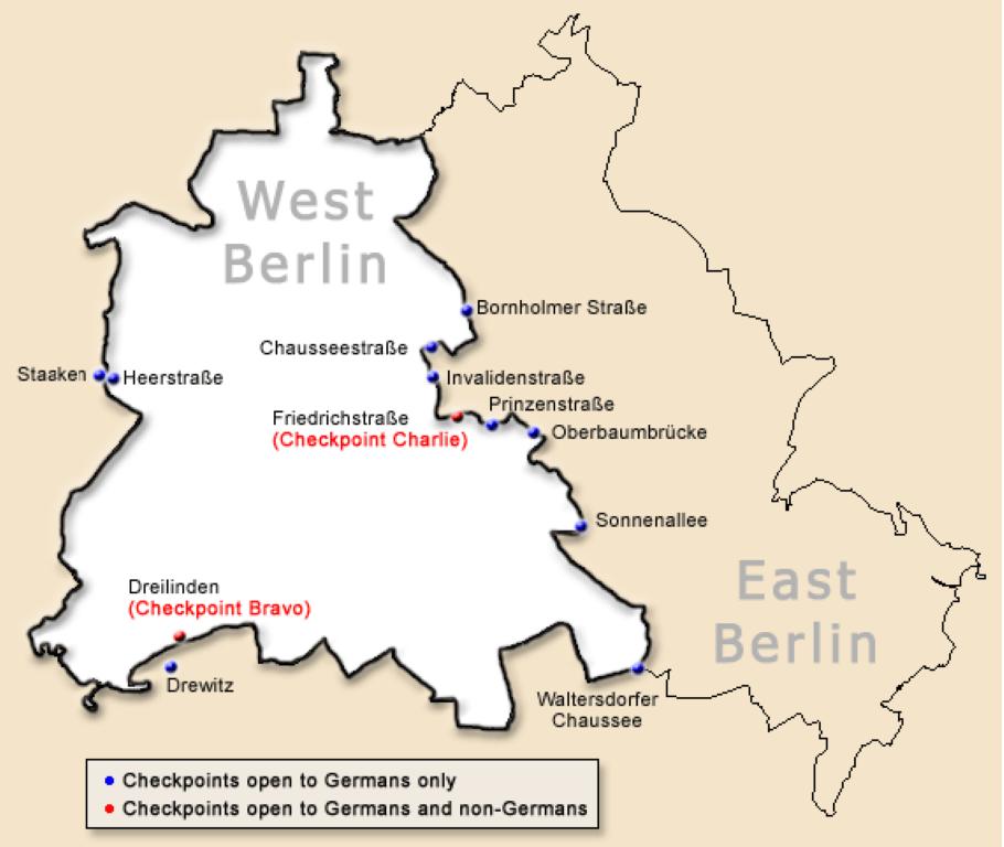 Zemljevid pokaže delitev Berlina na Vzhodni in Zahodni del