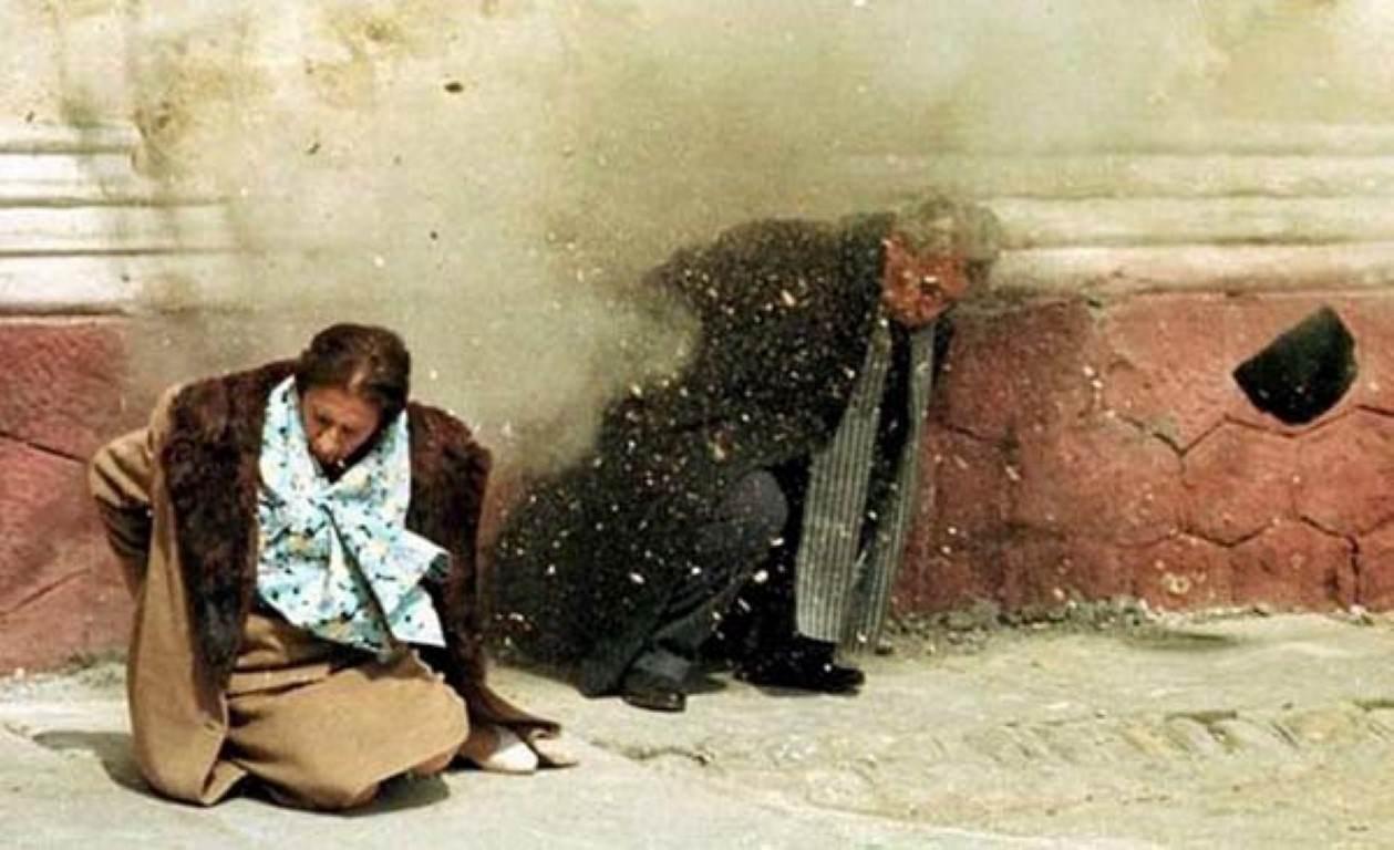 Streljanje Ceauşescuja in žene Elene na božični večer leta 1989. Foto: viralnova.com