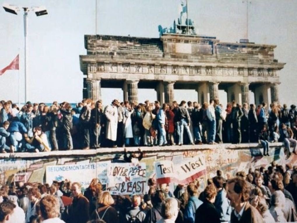 Dan padca berlinskega zidu 1989