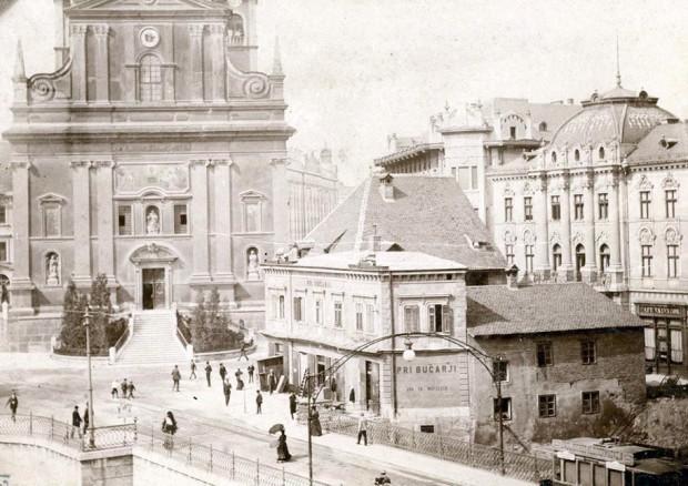 1905 – gostilna Bučar, ki je bila kmalu za tem porušena, na njenem mestu pa so postavili Prešernov spomenik