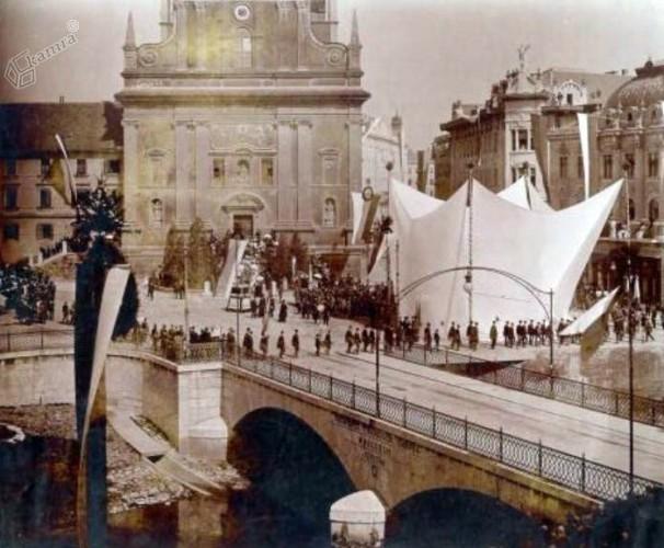 1905 – slavnost pred odkritjem Prešernovega spomenika (renton.si)