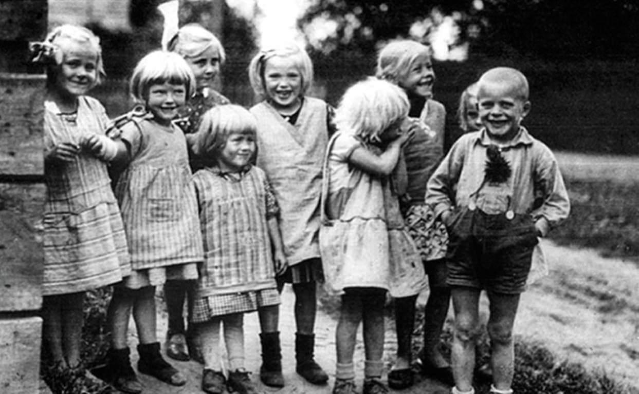 Arijski otroci. Foto: Bundesarchiv