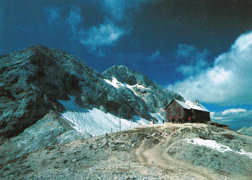 Triglavski dom po prenovi v 50. letih