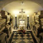 Grobnica Burbonov. Foto: kraji.eu