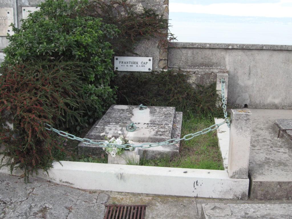 Čapov grob v Piranu.
