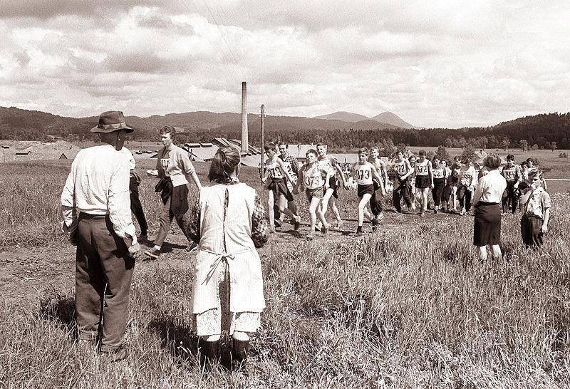 Pohod ob žici okupirane Ljubljane, 1961. Foto: Wikimedia