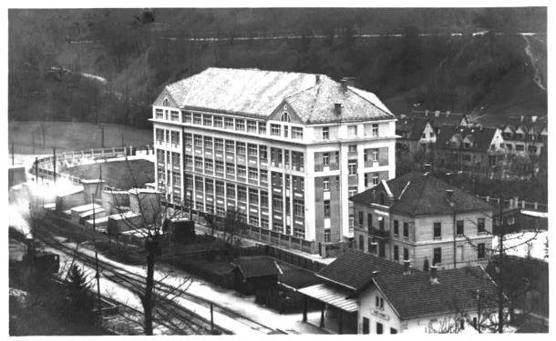 Tovarna sredi dvajsetih let 20. stoletja. Foto: Muzej radovljiške občine