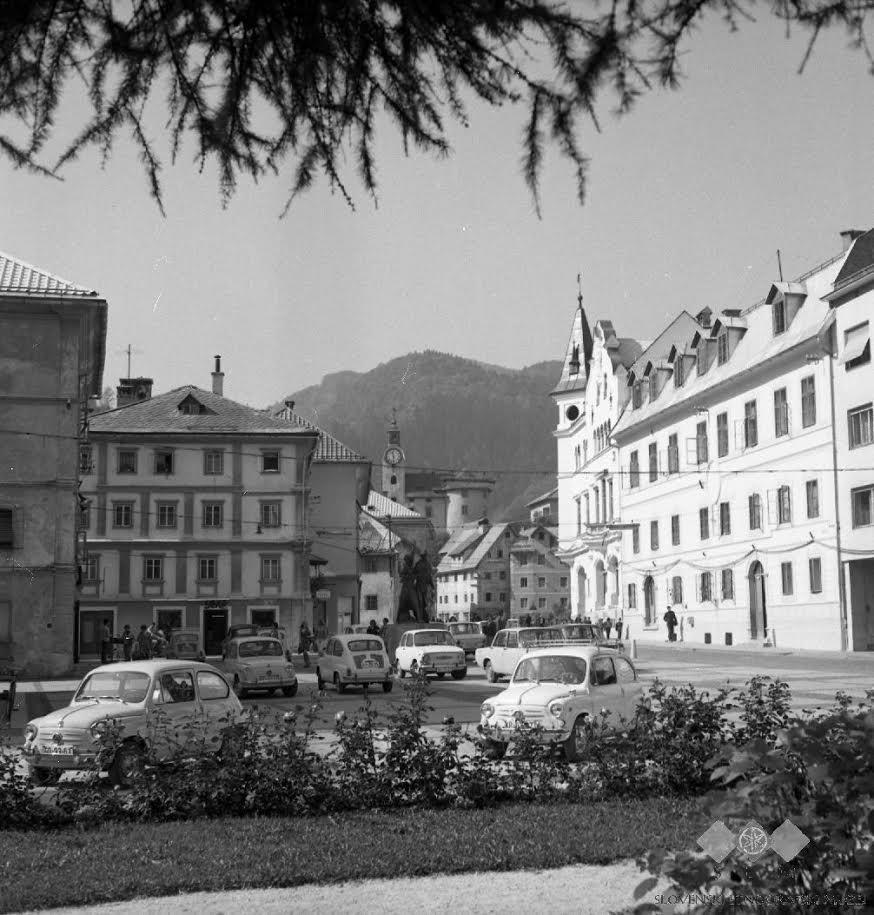 Meščanske hiše in rudniški grad Gewerkenegg, 1976. Foto: SEM