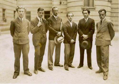 Vidmar (drugi z desne) s skupino mladih slovenskih pisateljev v Ljubljani leta 1925. Od leve na desno: Edvard Kocbek, Bogomil Hrovat, Slavko Grum, Anton Ocvirk, Josip Vidmar, Vladimir Bartol.