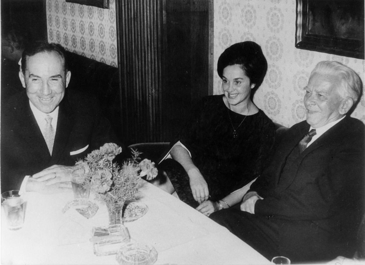 Josip Vidmar s Stanetom Kavčičem in Kavčičevo ženo Angelco.