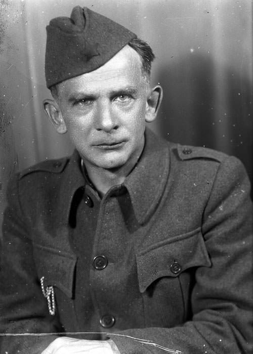 Josip Vidmar v uniformi.
