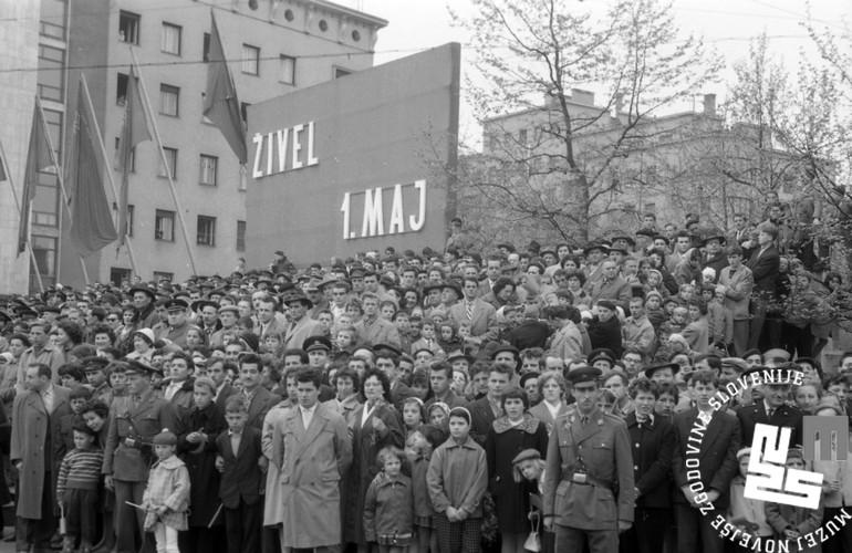 Prvomajska parada v Ljubljani leta 1960. (hrani: MNZS, foto: Jerala)