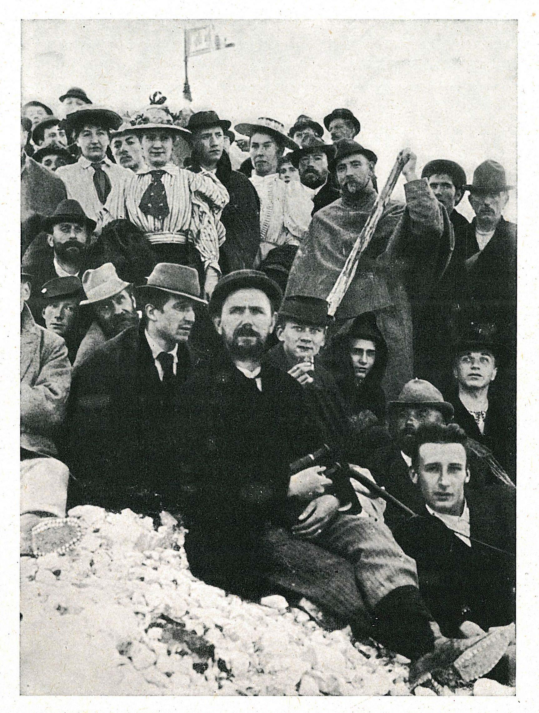 Na vrhu Triglava ob otvoritvi Triglavske koče na Kredarici, 10. avgusta 1896.