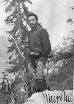 Mussolini med prvo svetovno vojno, najverjetneje na položajih nad Bovcem. Foto: corriere.it.