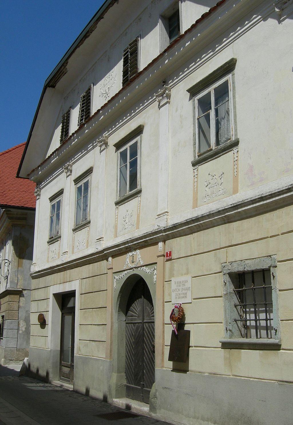 Linhartova rojstna hiša v Radovljici.