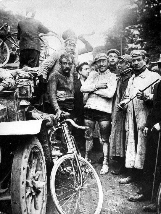 Zmagovalec prvega Toura, Maurice Garin na desni. Foto: Wikimedia