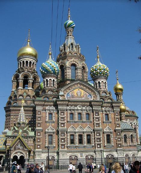 Hram Odrešenika na krvi v Sankt Peterburgu, postavljen na kraju carjeve smrti. Foto: Wikimedia