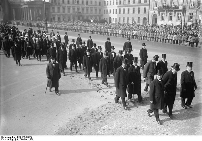 Stressemannov pogreb v Berlinu.