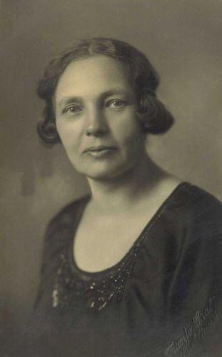 Minka Govekar (1910)