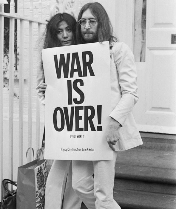 John Lennon s soprogo Yoko Ono. Foto: express.co.uk