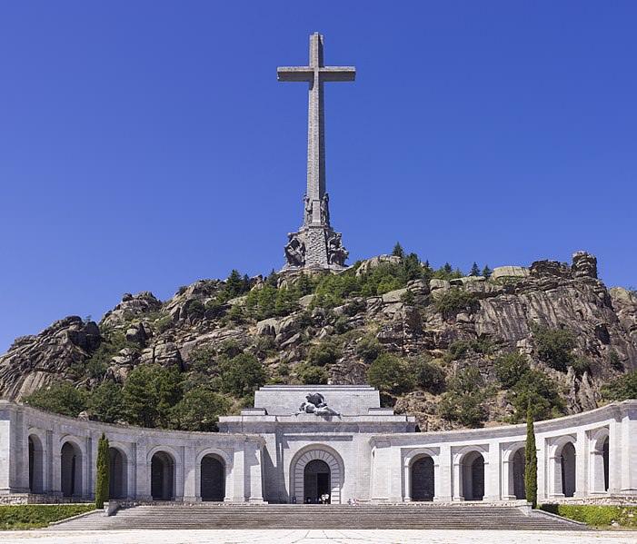 Francova grobnica.
