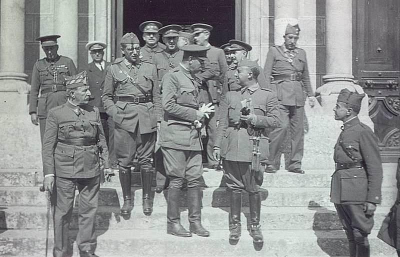General Franco in njegovi poveljniki v času španske državljanske vojne.