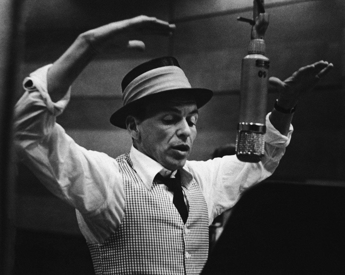 Frank Sinatra med snemanjem. Foto: time.com