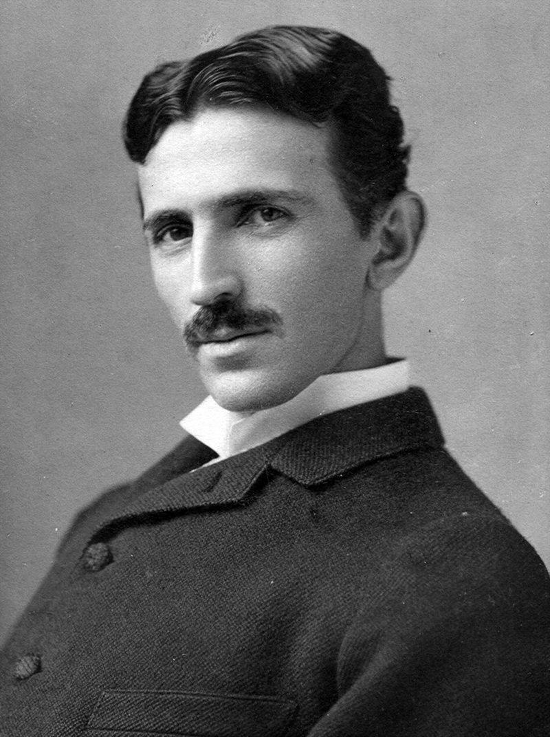 Nikola Tesla, star 34. Foto: Napoleon Sarony