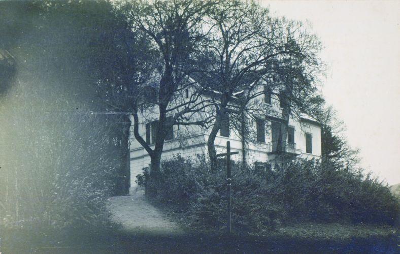 Rojstna hiša Josipa Stritarja v Podsmreki. Foto: Fran Vesel (dostopno na dLib)