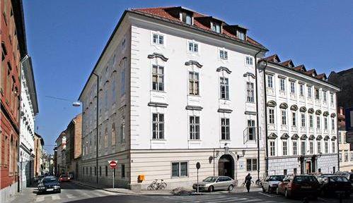 Koroški Slovenci v kulturi spominjanja na Koroškem in v Avstriji