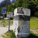 Mejni kamen, ki je označeval mejo med Italijo in Kraljevino SHS/Jugoslavijo na Vršiču v času ti. rapalske meje.